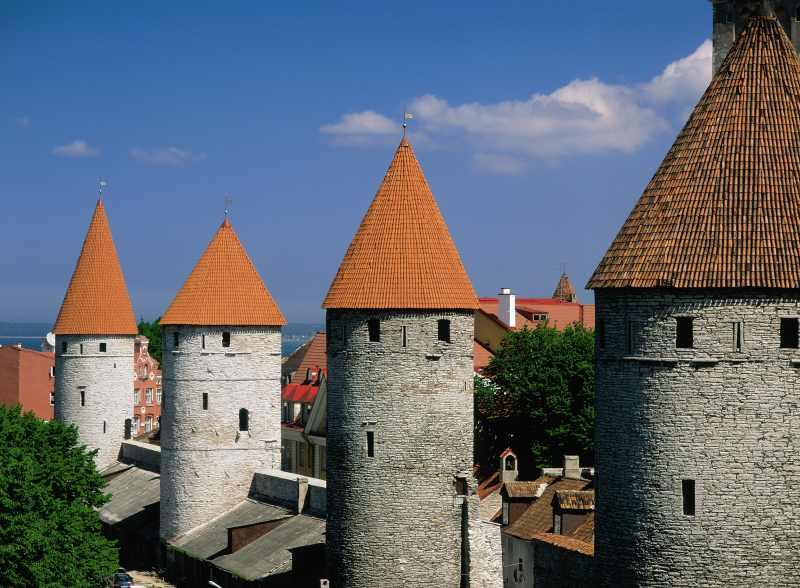 Estonia_Tallinn_Town_Wall_Towers_a342e89d34b74b25a5e3368be275aead