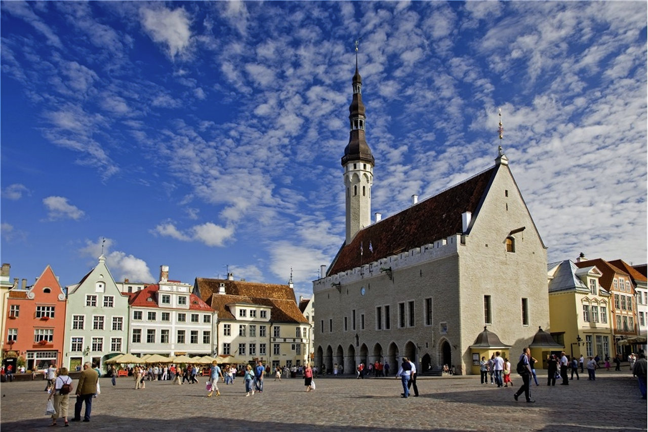 estonia_tallinn_town_hall