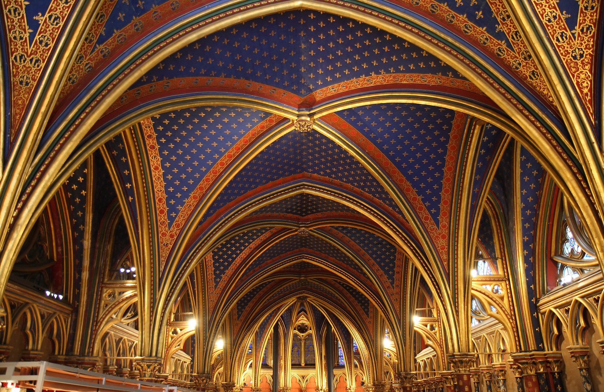 sainte-chapelle_theredlist