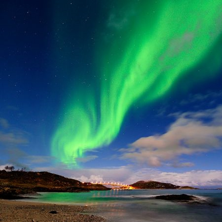 green-aurora-over-tromso-norway1