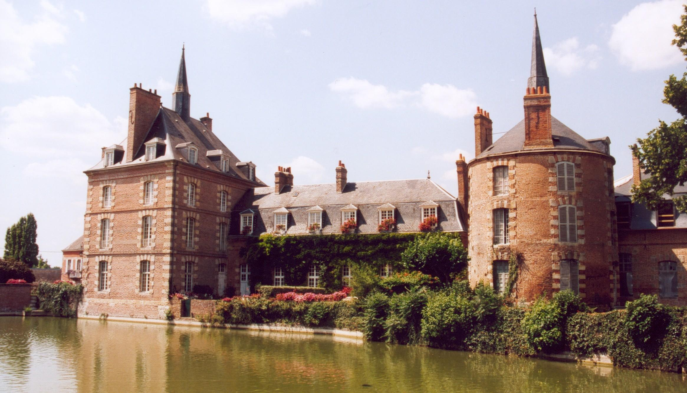 France_Loiret_Bellegarde_Chateau_02