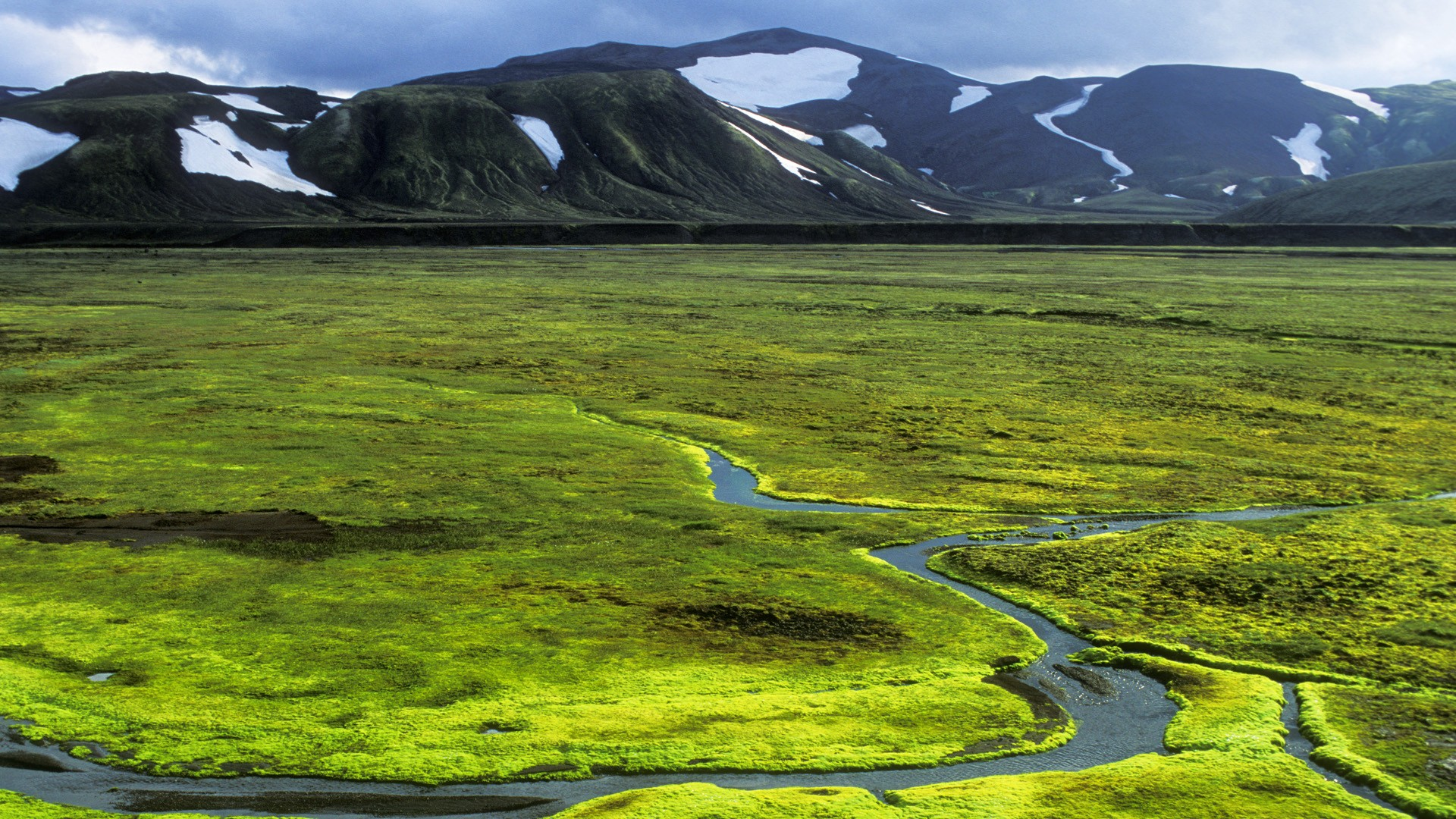 Nature-Valley-Iceland-Wallpaper