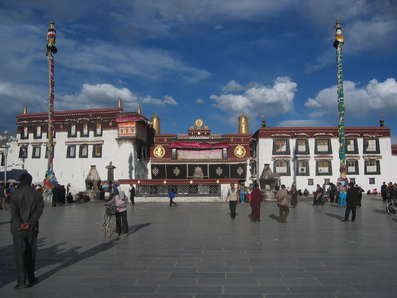 Jokhang_Temple_in_Tibet
