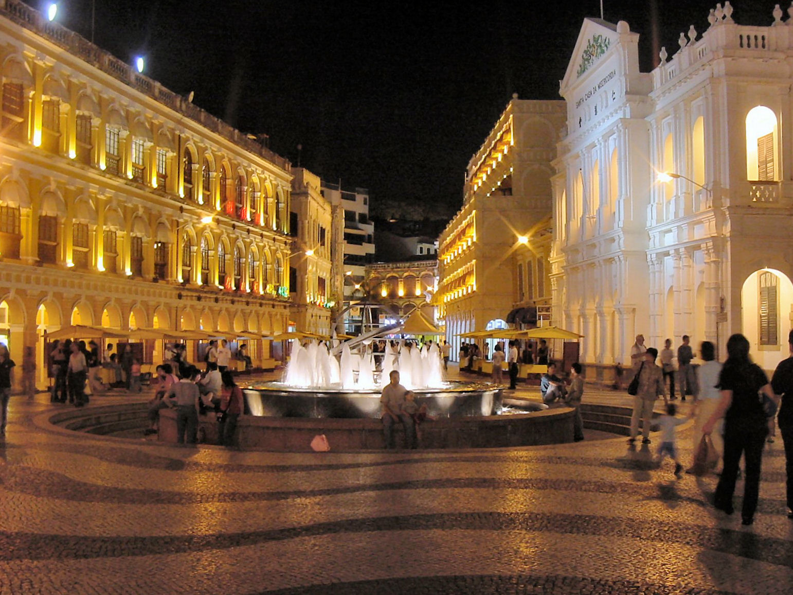 Macau_Senate_Square_at_Night